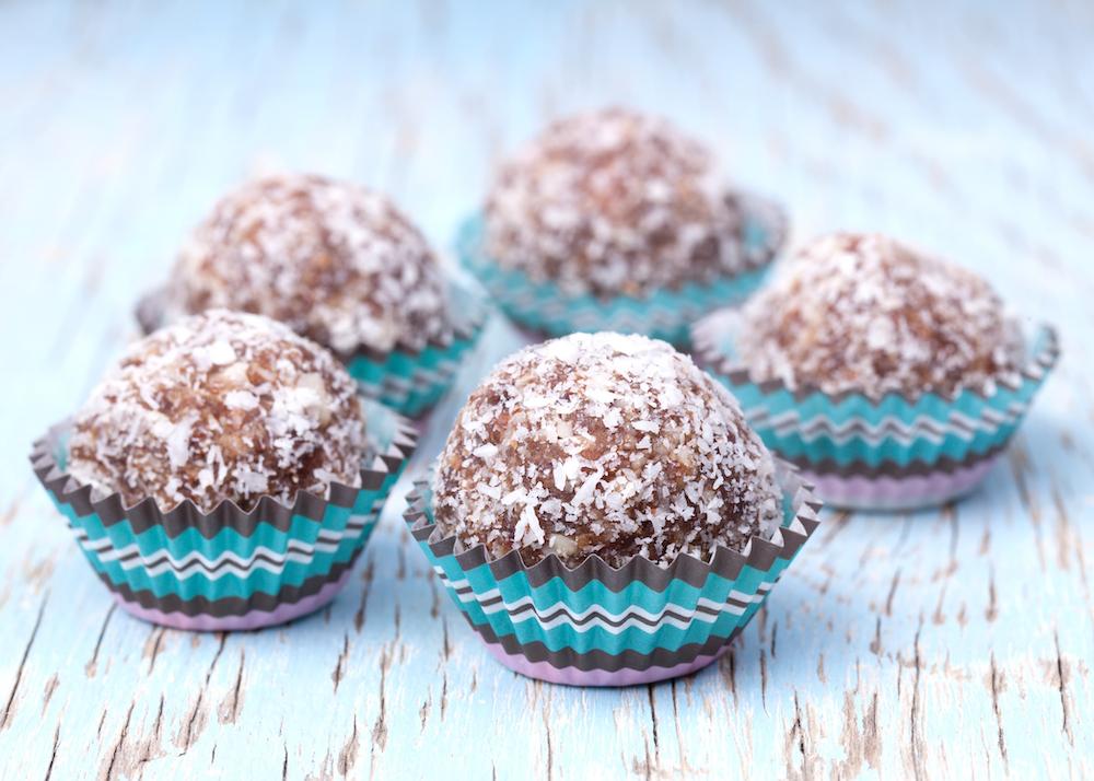 Truffle-Bliss-Balls-Raw-Vegan-Recipe-Dates-Almonds-Coconut-Carob-Rohtopia-Holistic-Wellbeing