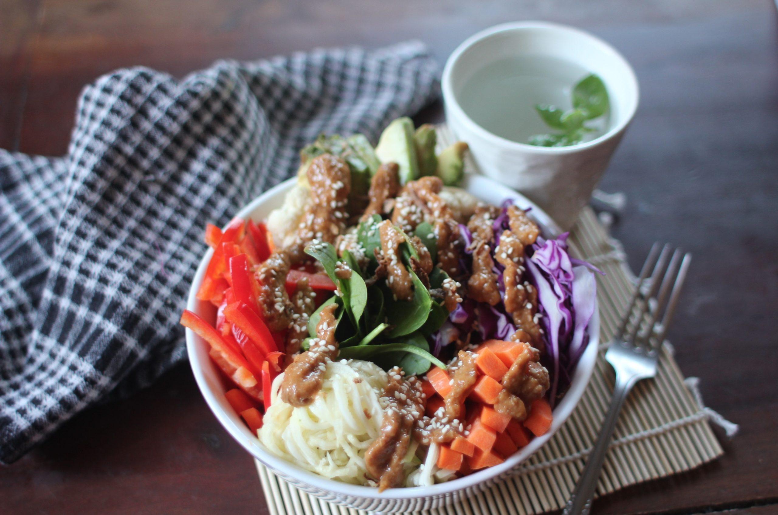 Buddha Bowl with Satay Sauce