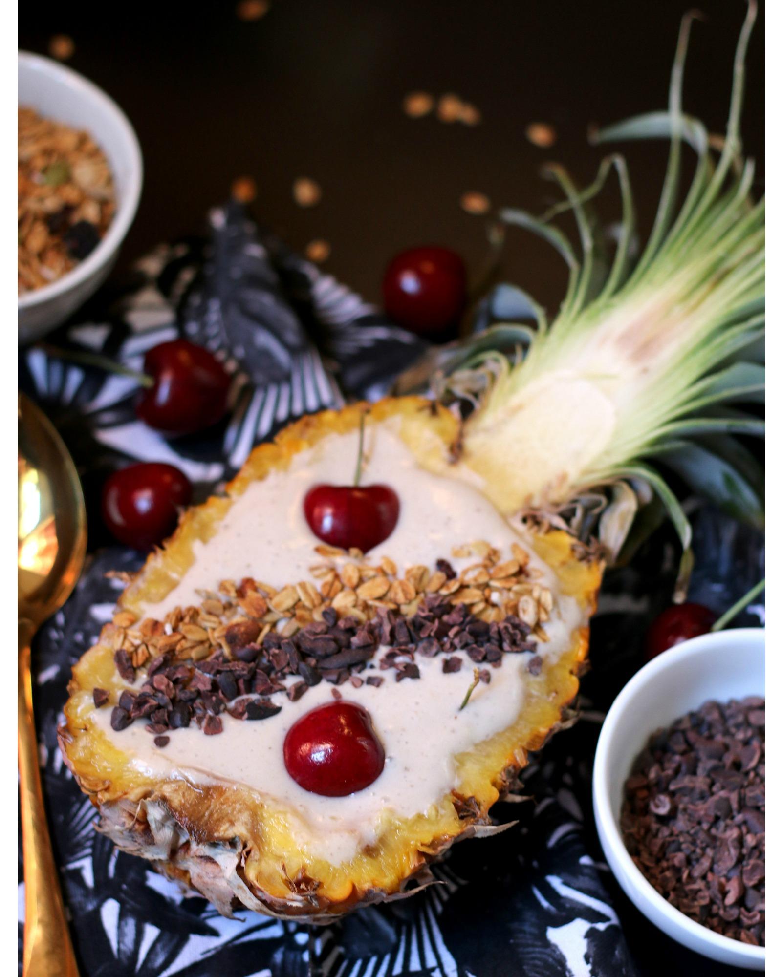 Rohtopia Ananas Smoothie Bowl Rezept