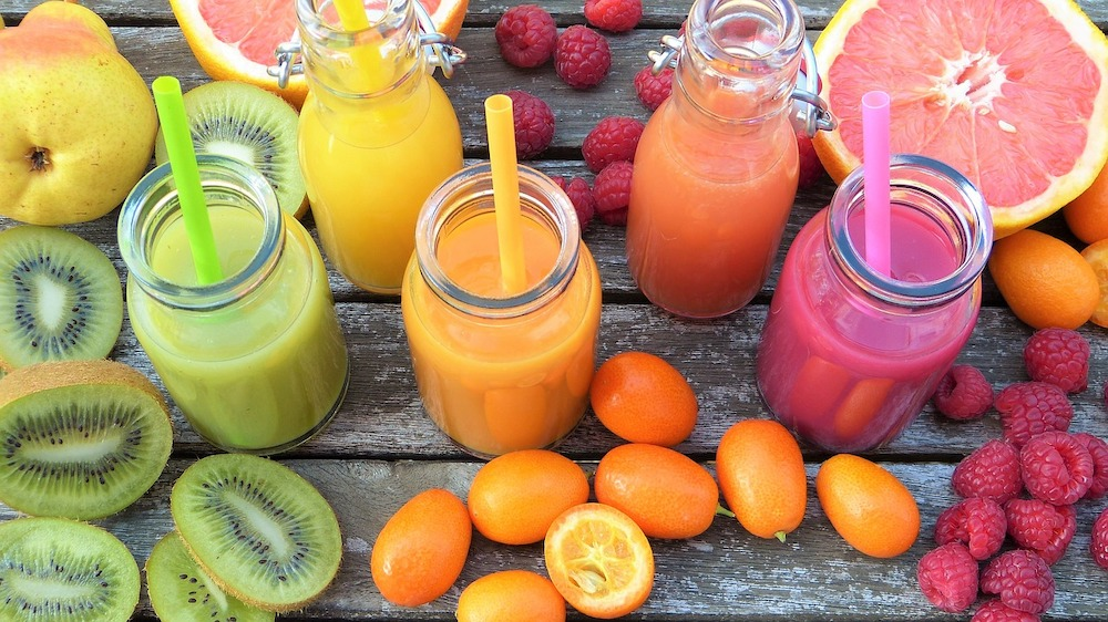 Why Detox at all - Juice Cleanse Green Orange Pink Smoothie Diet Week Body Reset - Raw vegan recipes - holistic wellbeing - Rohtopia